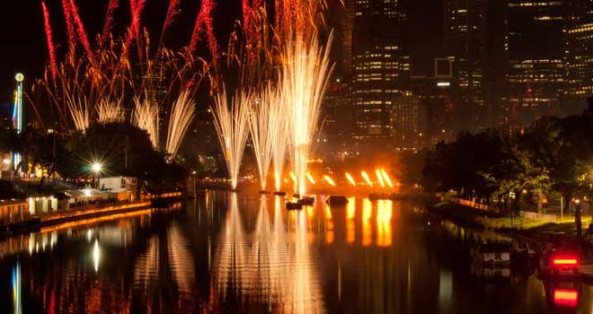 Moomba Fireworks Cityscape by *Punkdiva