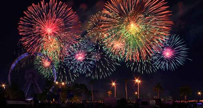 Fireworks by *DaXXe