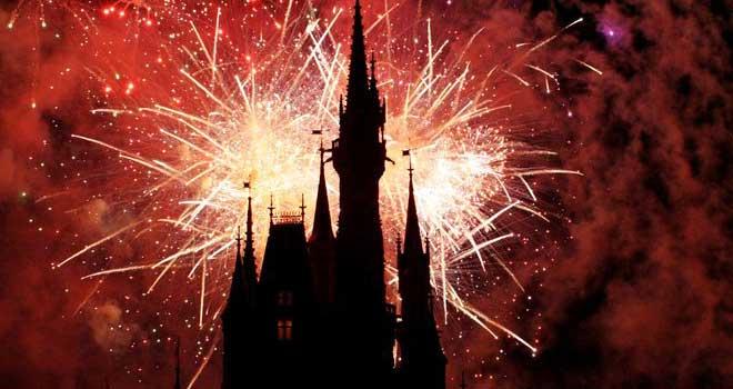 Disney Fireworks. by ~xheartsandcirclesx