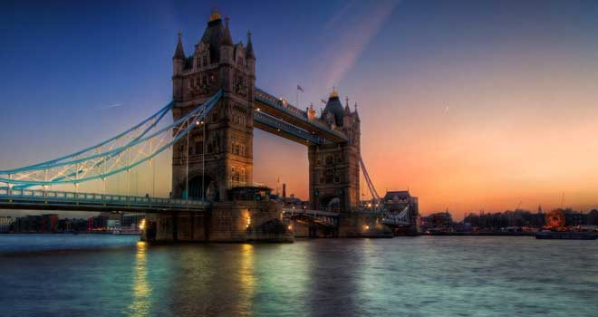 Tower Bridge by Tristan K