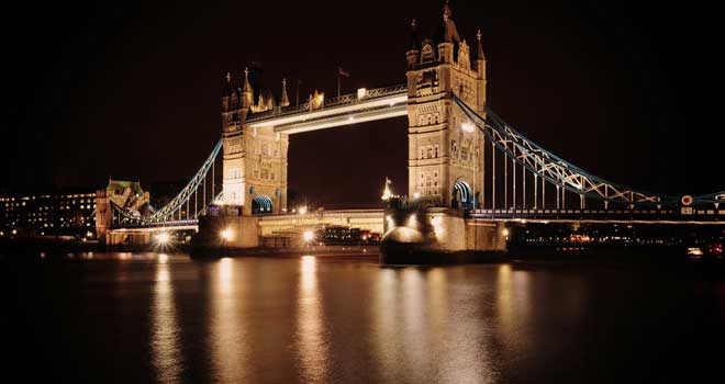 Tower Bridge, London by Anthony Hennessy