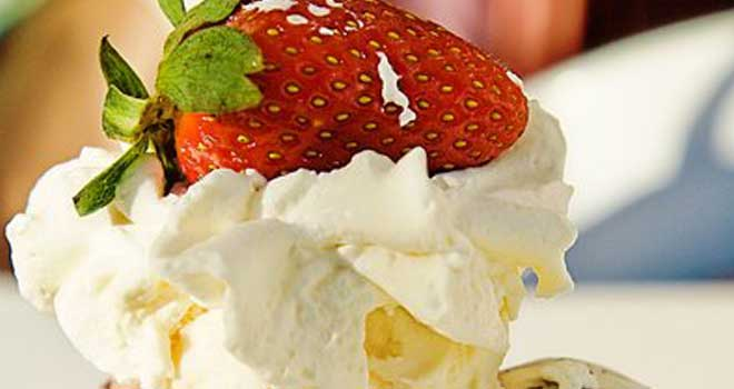 I Scream For Ice Cream by tazzmaniac