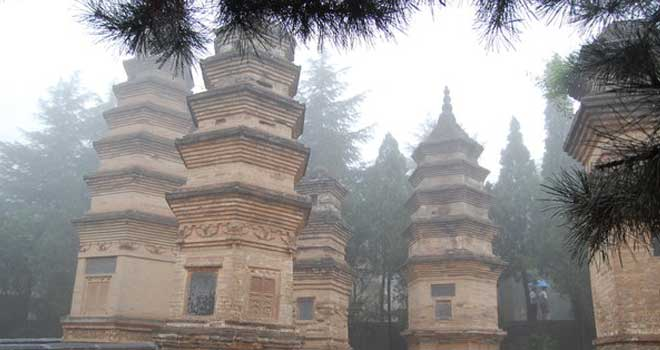Old Tombs In Shaolin Temple by xuta