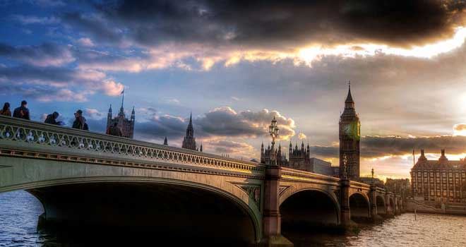 Westminster Bridge, London, UK by Hoang Thanh Tung